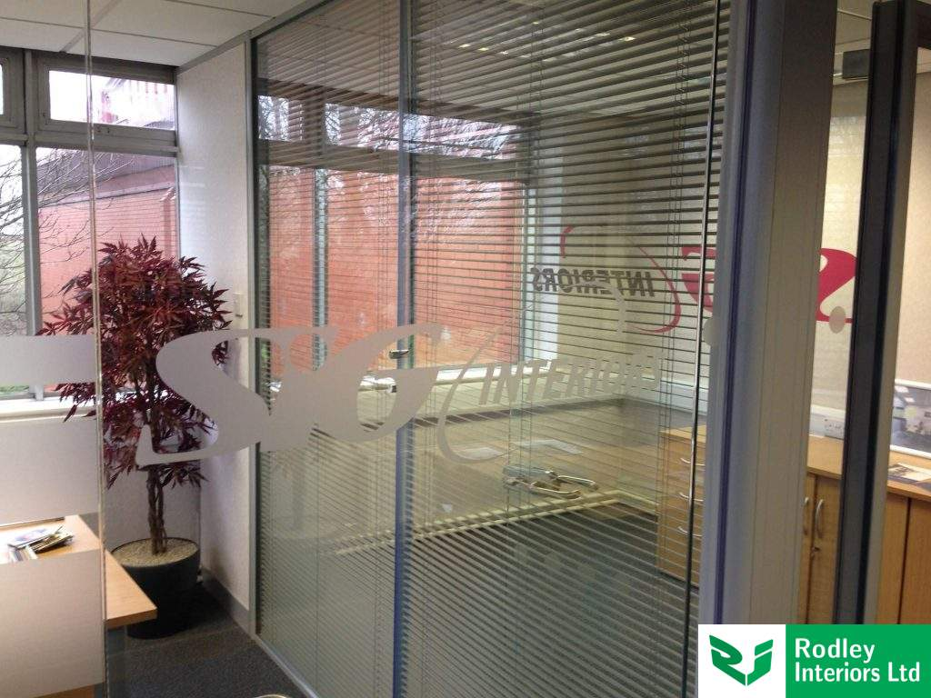 Double glazed modules with blinds