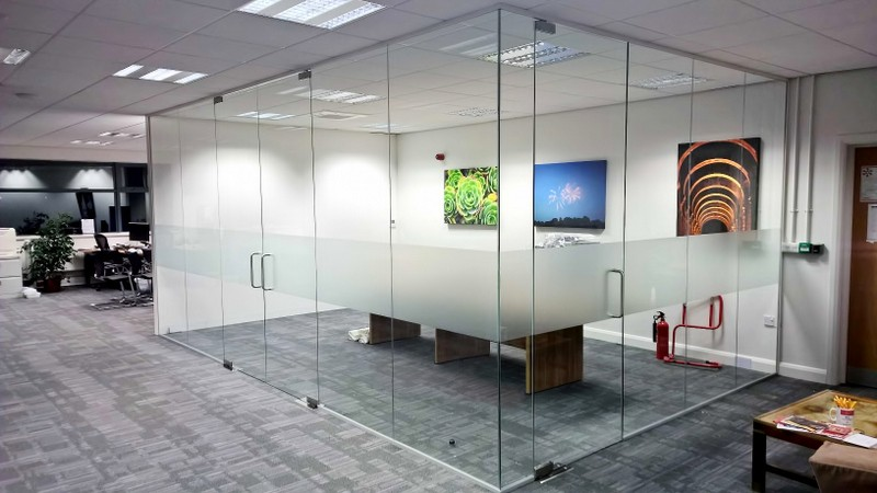 Toughened Frameless Glass Walls In York