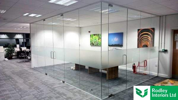 Attractive frameless glass corner office