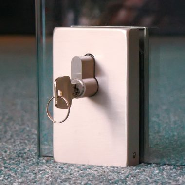 door lock (floor)
