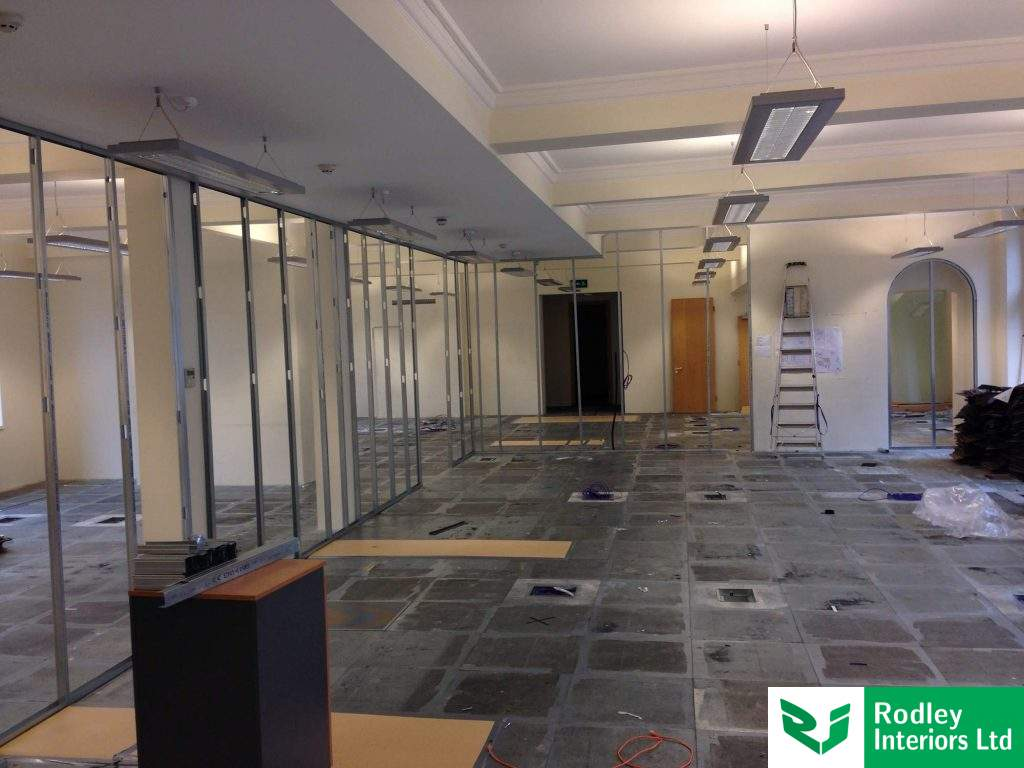 Large office area with Komfort Klassic install