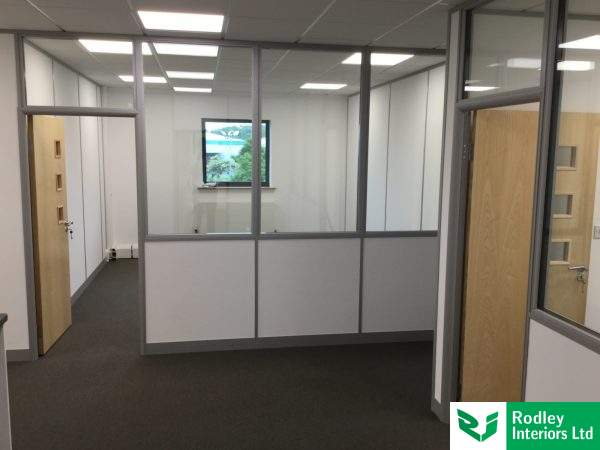 75mm glass partitioning