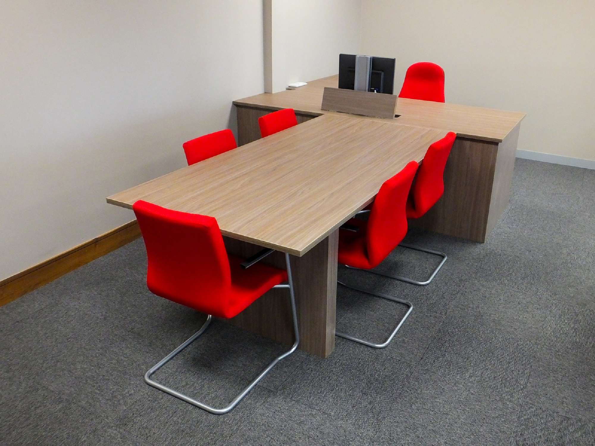 Office Meeting And Conference Room Tables
