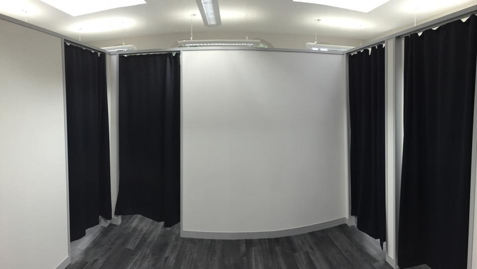 Free-standing office partitioning