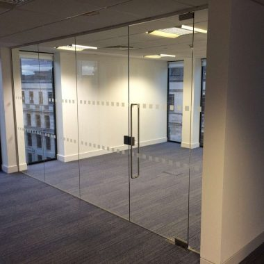 Frameless glazed office in Birmingham