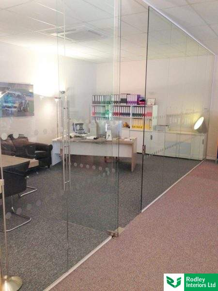 glass-office-partitioning-in-manchester