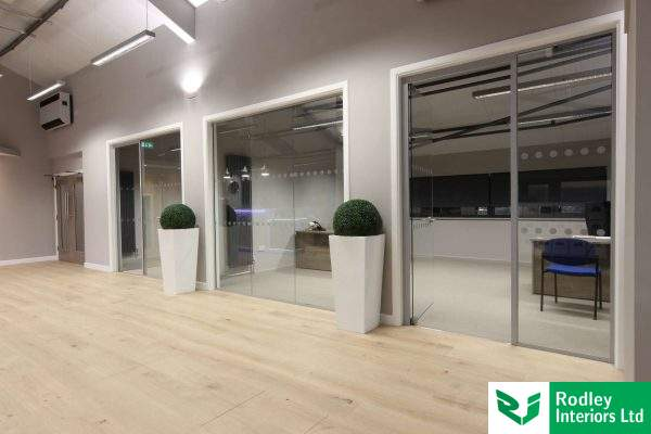 Acoustic glass office partitioning